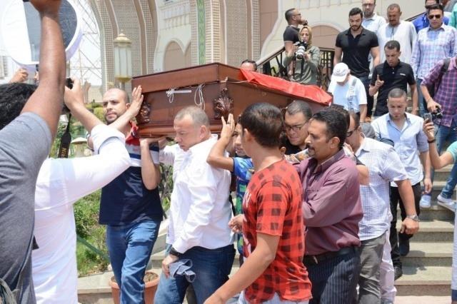 كشف حارس مقبرة عمرو سمير قبل ساعات من دفنه؟