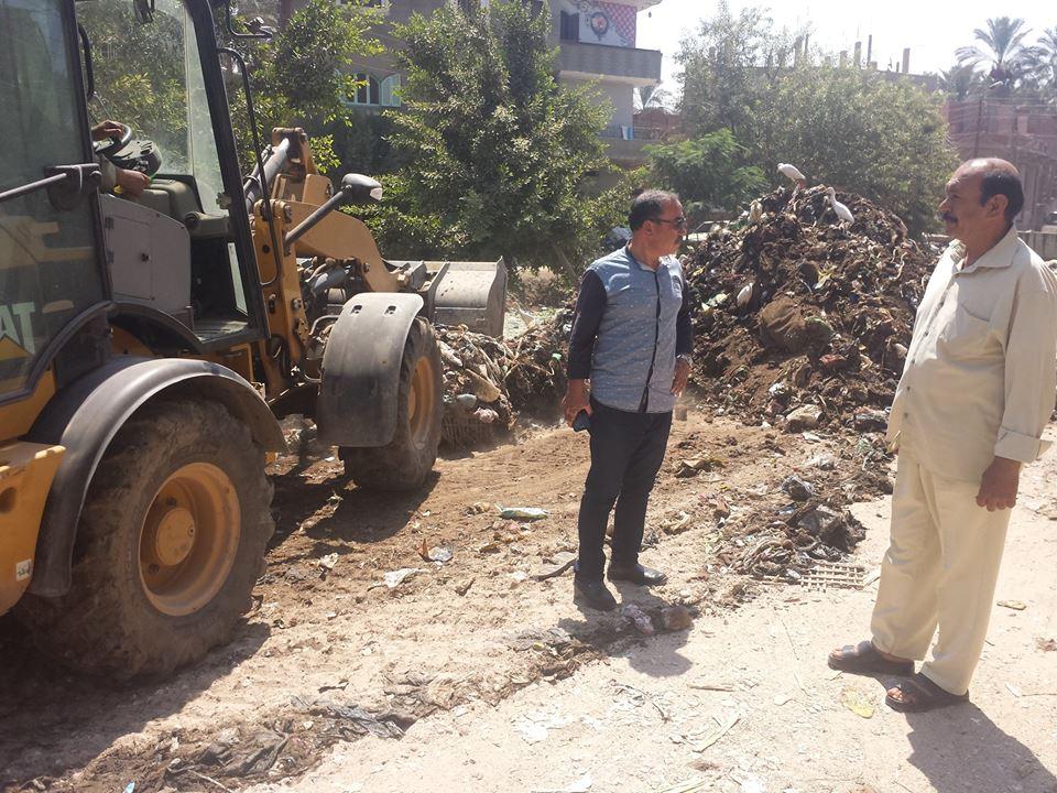 مدينة القرين يتابع أعمال نقل مخلفات تطهير المصرف 2