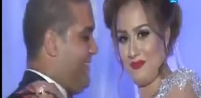 يفعل شيئًا خارقًا مع عروسه ليلة زفافه أثار اندهاش المدعووين