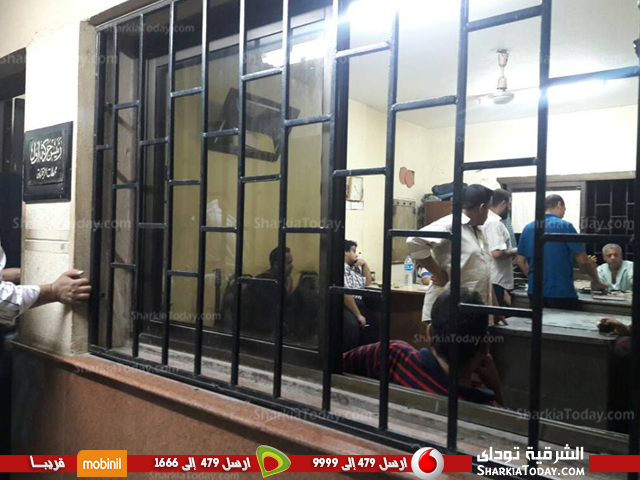 ركاب قطار «القاهرة الزقازيق» لعدم إنزالهم على الرصيف ونزولهم بالورشة 2