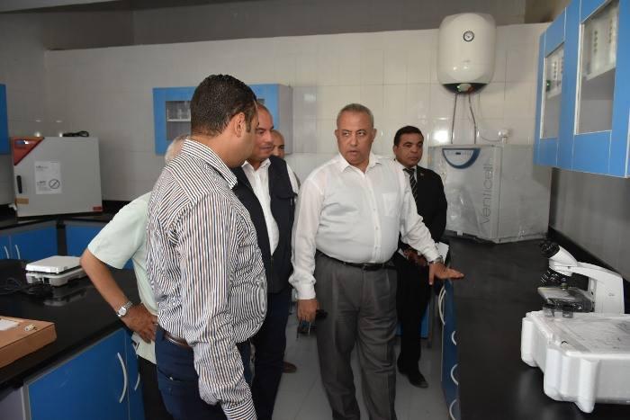 الشرقية يتفقد عمل المعدات الجديدة بمحطة مياه مشتول السوق 3