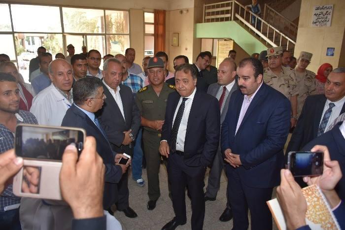 الصحة ورئيس الهيئة الهندسية للقوات المسلحة في زيارة لمستشفى التأمين الصحي بالعاشر6