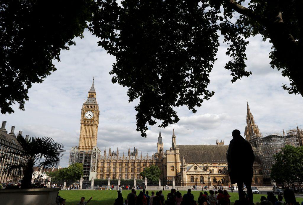 12بعد 185 عامًا .. ساعة «بيج بن» تتوقف عن الدق في لندن لـ 4 سنوات