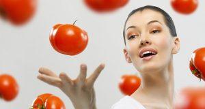 التخلص من حب الشباب بالطماطم في 3 ثواني
