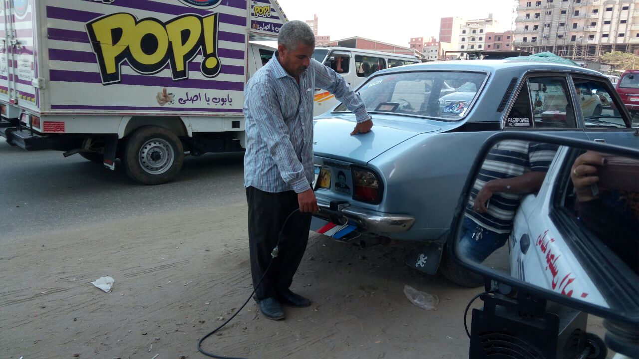 تشن حملة لفحص عوادم السيارات بطريق «ديرب نجم الزقازيق»
