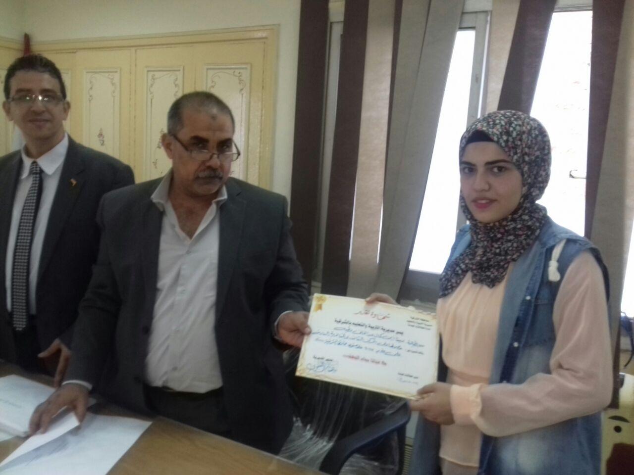 أوائل الثانوية العامة والأزهرية بالشرقية بجائزة الدكتور «محمد أبو الخير» 3