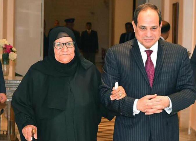 تبرعت بثروتها لـ«تحيا مصر» تكشف ما قاله السيسي عن الأسعار