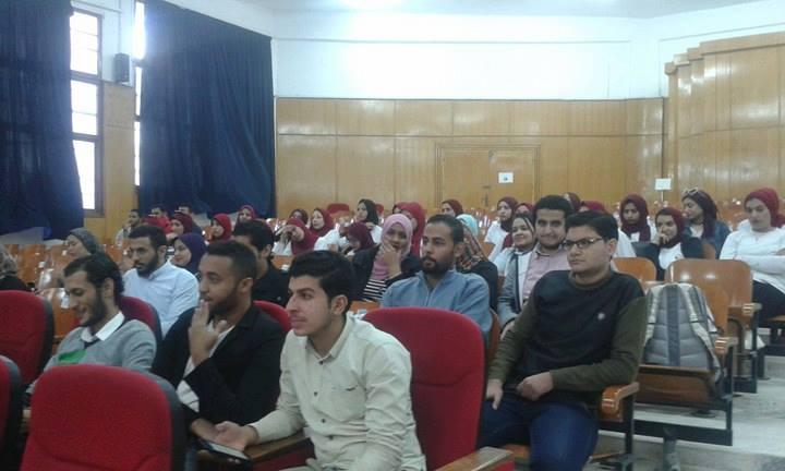 فريد طه فى لقاء حوارى مع طلاب جامعة الزقازيق3