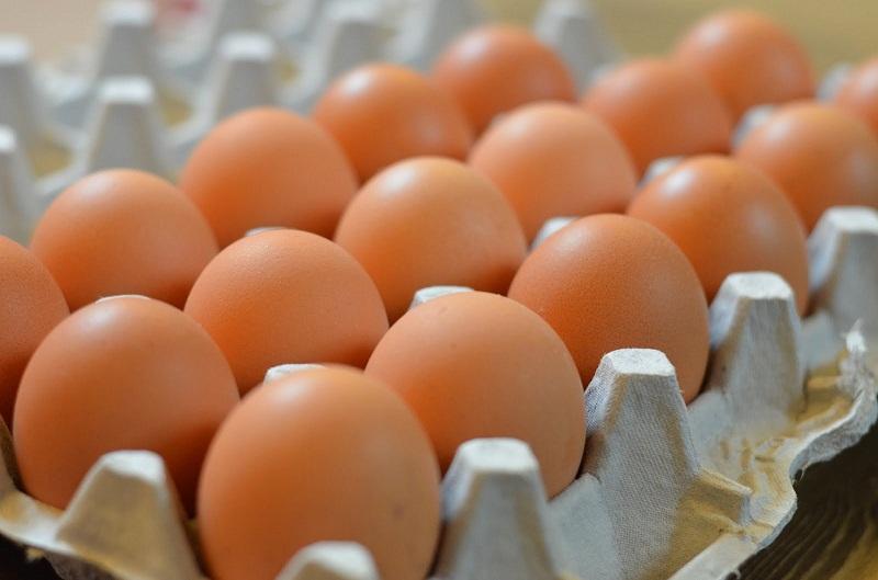 لا لتخزين البيض بباب الثلاجة