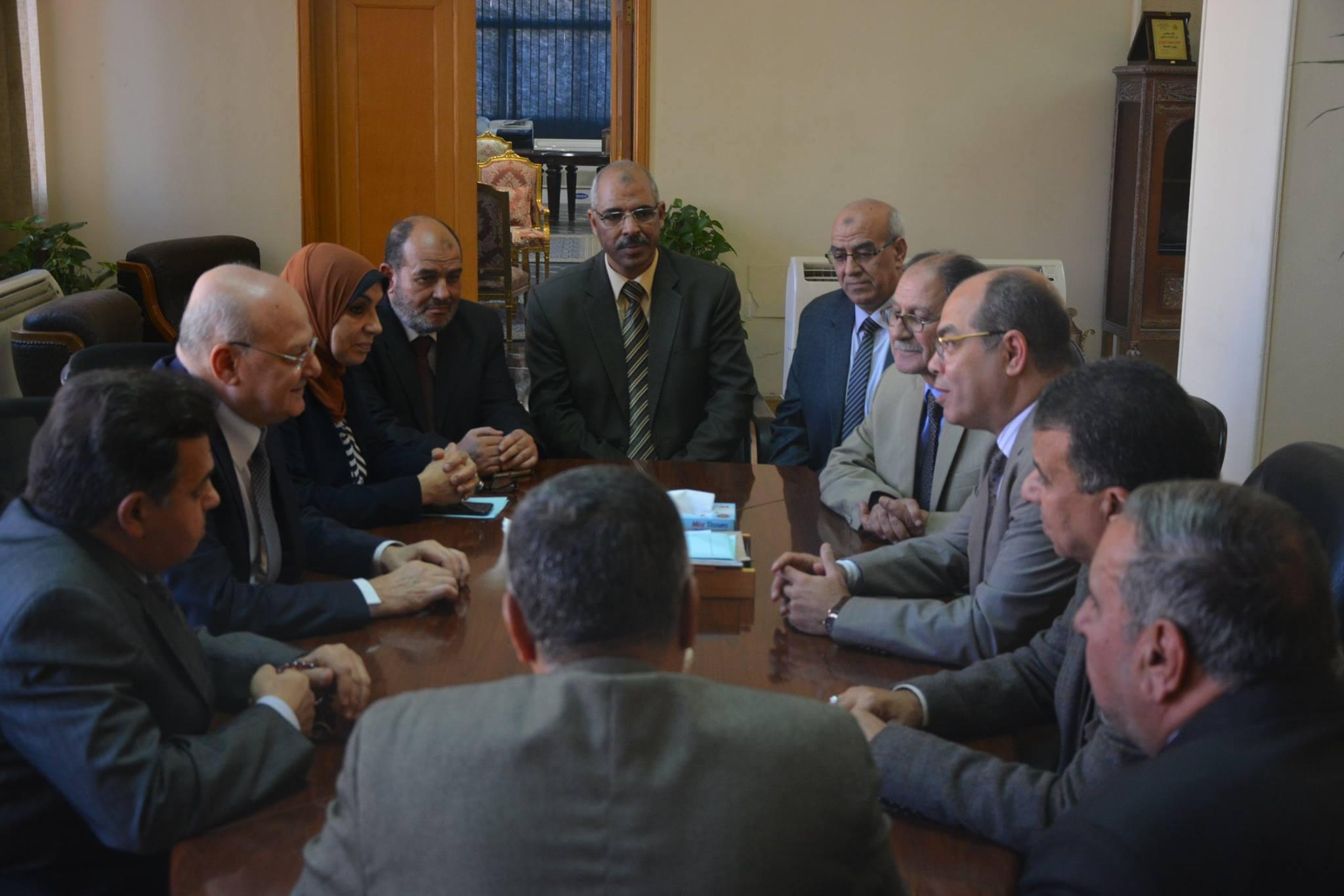 جامعة الزقازيق يلتقي ممثلي وزارة المالية 2