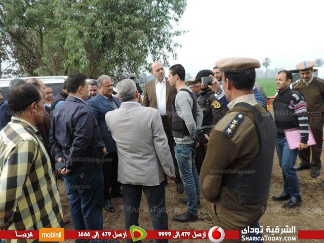 وزير الداخلية يتفقد قرية «أبونجاح» بالزقازيق بعد تطهيرها من العناصر الإجرامية 1