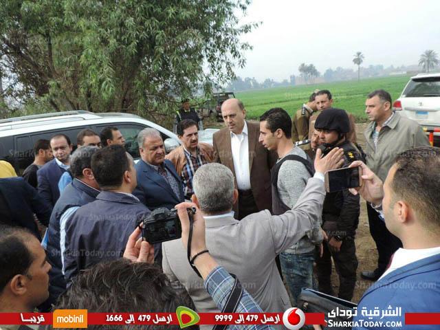 وزير الداخلية يتفقد قرية «أبونجاح» بالزقازيق بعد تطهيرها من العناصر الإجرامية 2