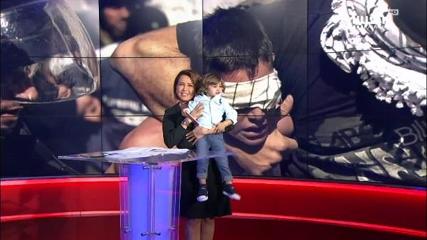 مذيعة يقتحم استديو «العربية» على الهواء