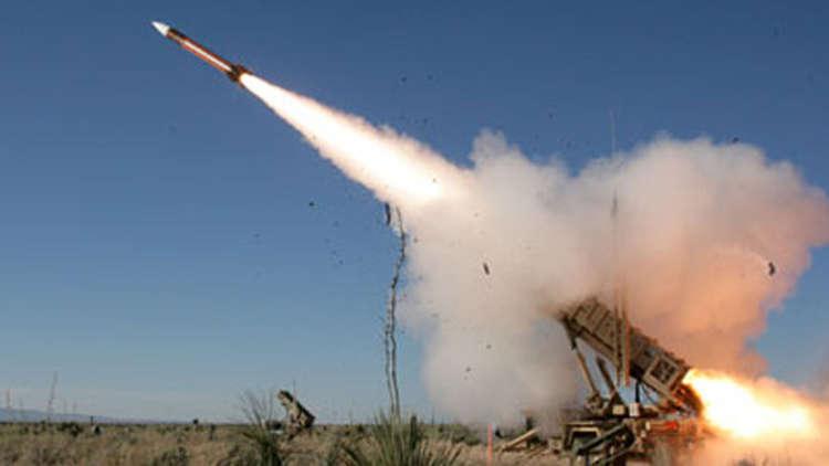 الدفاع الجوي السعودي يعترض صاروخا بالستيا