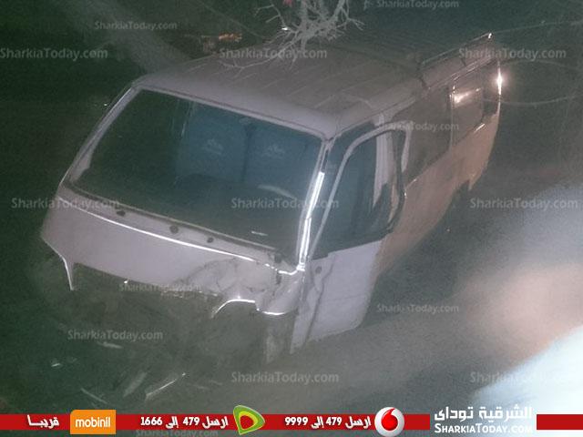 مروع بطريق «أبو حماد الزقازيق» يسبب تكدس السيارات 1