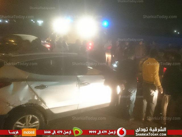 مروع بطريق «أبو حماد الزقازيق» يسبب تكدس السيارات 2