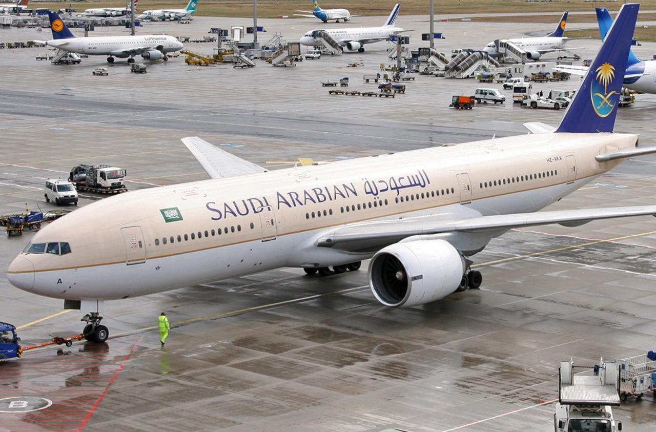 طائرة سعودية