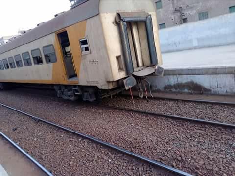 قطار «الزقازيق المنصورة» عن القضبان بمحطة كفر صقر 3