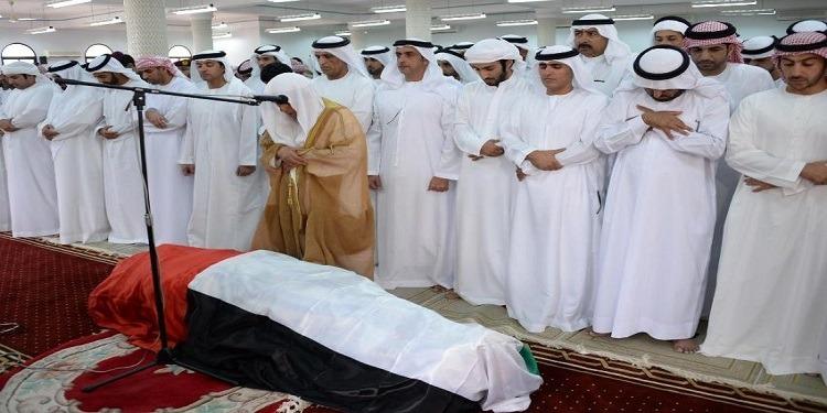 الإمارات يغيب عن تشيع جنازة والدته 2