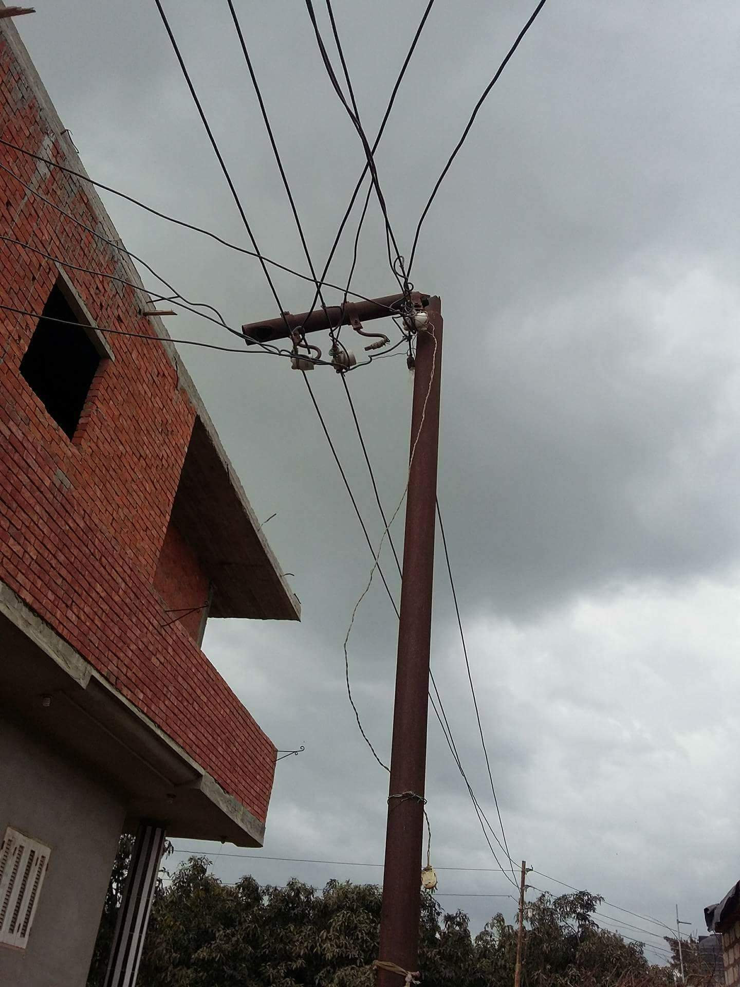 جديدة تنتظر كفر «أبوزريق» بفاقوس بسبب أعمدة الكهرباء الآيلة للسقوط 3