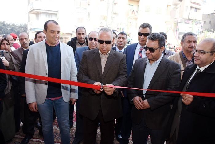 الشرقية يفتتح منفذ بيع منتجات الجيش بميدان التحرير بالزقازيق 1