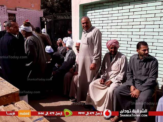 توافد الناخبين على لجان الحسينية 4