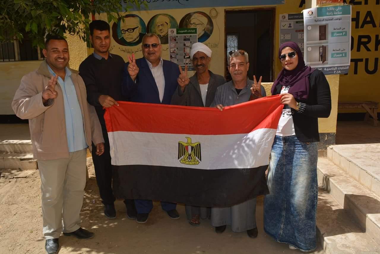 «أحمد عبداللطيف» يتفقد لجان الانتخابات بالحسينية 1
