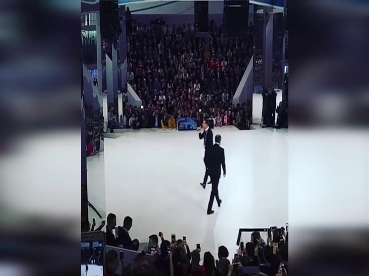 سقوط وزير الخارجية الروسي أمام الجمهور