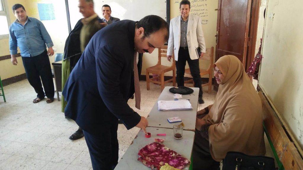 وزارة الصحة بالشرقية يدلي بصوته في انتخابات الرئاسة المصرية 4