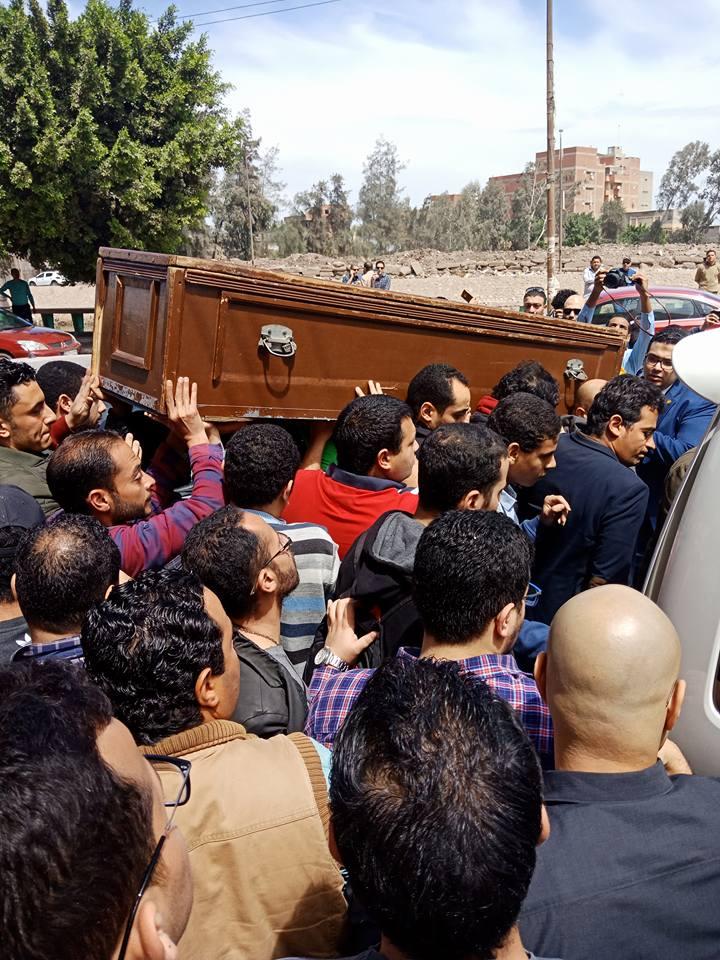 جنازة أحمد خالد توفيق
