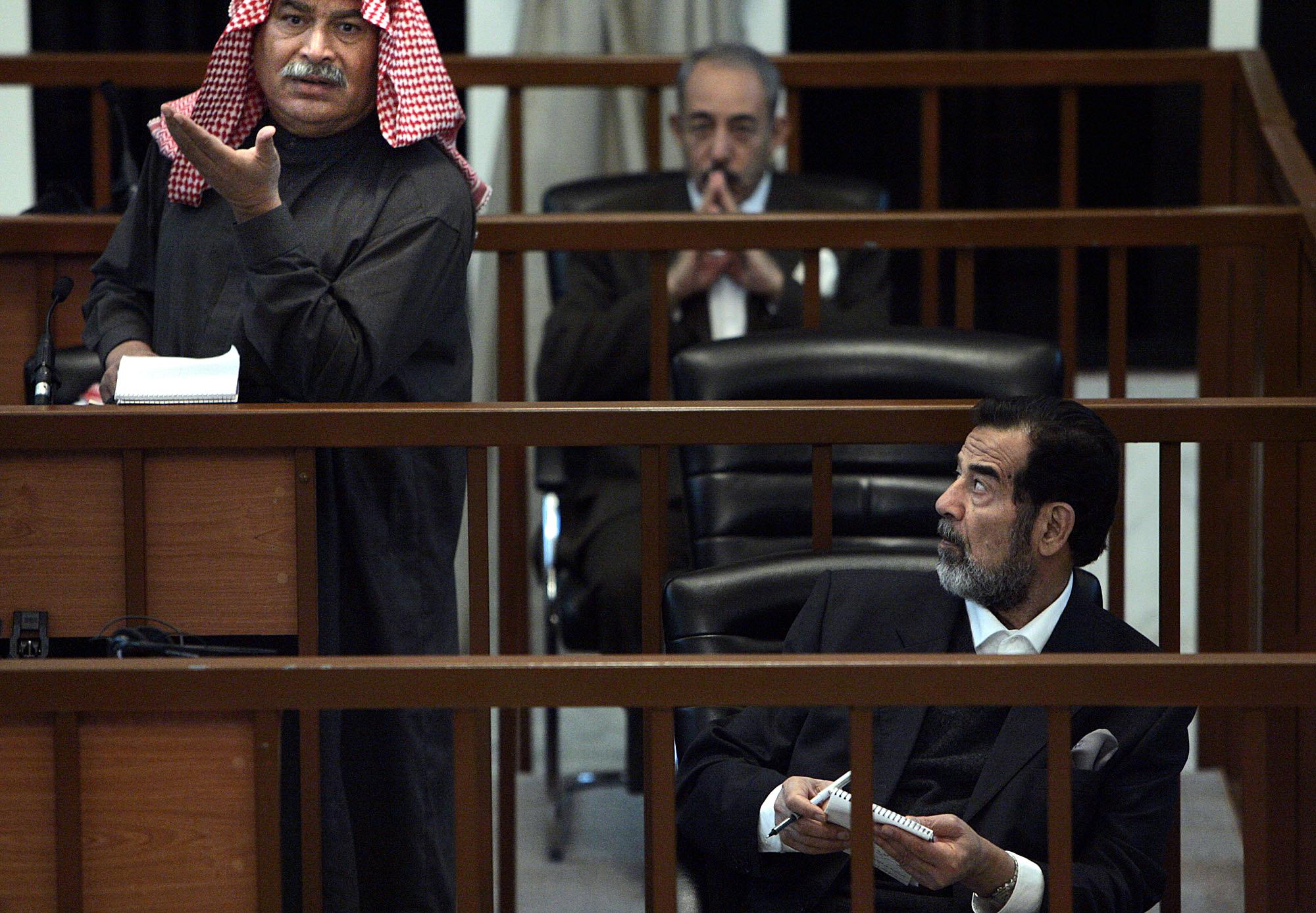 وزير دفاع صدام حسين