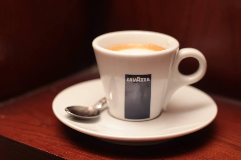 القهوة الساخنة