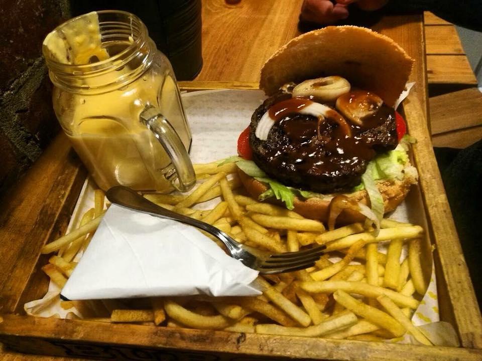 أوكس هوت دوج بمطعم OX Burgerبالزقازيق