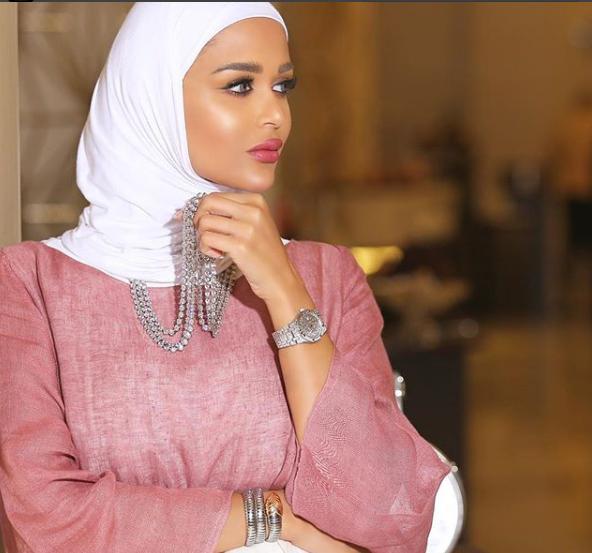 الابيضموضة الطرح 2018بإطلالات الفاشينيستا الكويتيّة مرمر
