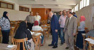 رئيس جامعة الزقازيق يتابع أعمال الامتحانات