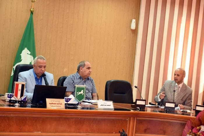 محافظ الشرقية يتابع موقف المشروعات الجاري تنفيذها بقطاع الشئون الصحية