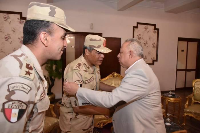 محافظ الشرقية يُشارك عدداً من القيادات العسكرية والشرطية حفل الإفطار السنوي 3