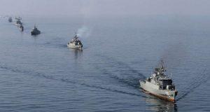 إيران ترسل حاملة طائرات إلى مضيق باب المندب