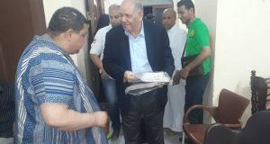النائب «حسن السيد» يقدم ملابس العيد لنزلاء دار بسمة للإيواء بالزقازيق