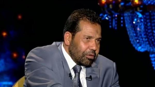 رجب هلال حميدة يدخل في نوبة بكاء