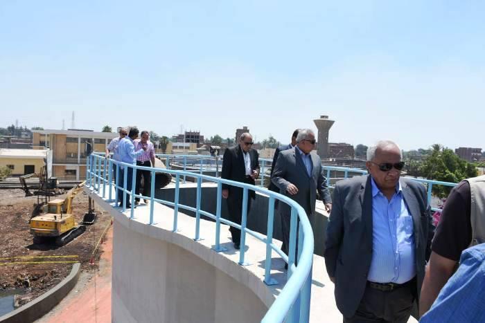 الشرقية يتفقد توسعات محطة الصرف الصحي بالزقازيق2