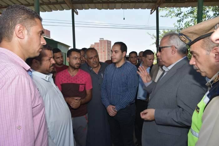 محافظ الشرقية يقرر وضع لوحات كبيرة مدون عليها الأجرة الجديدة في موقف «الزقازيق - أبوحماد»