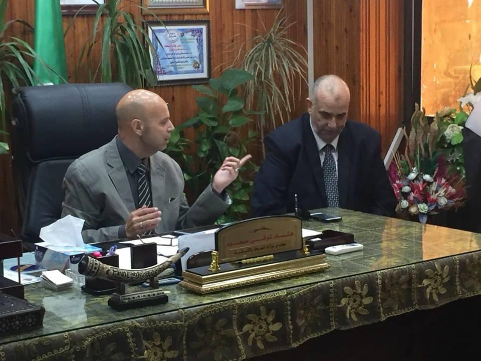 وكيل وزارة الصحة بالشرقية يجتمع بلجنة التخلص الأمن من النفايات الخطرة   الشرقية توداي