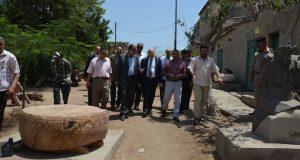رئيس جامعة الزقازيق في جولة بكلية الأثار ومنطقة صان الحجر