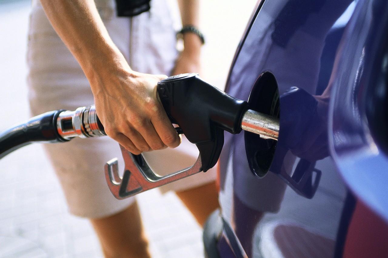 الحكومة تكشف موعد تحريك أسعار الوقود