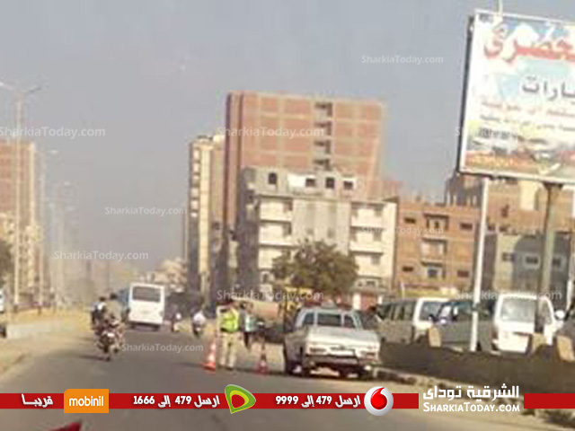 حملة مرورية أمام موقف أبوحماد في مدخل الزقازيق