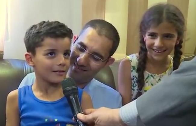 طفل الشروق المختطف بعد عودته لأسرته