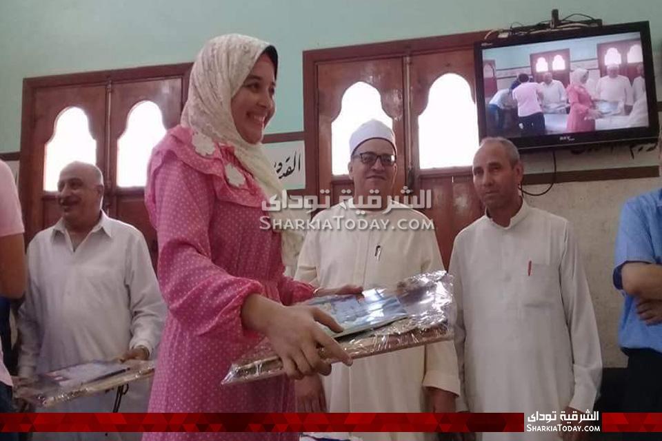 قرية كشيك بأبوحماد تكرم أوائل الثانوية العامة
