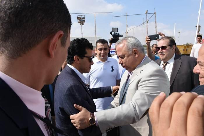محافظ الشرقية يستقبل وزير الشباب والرياضة بمقر نادي الصفوة بمدينة العاشر من رمضان