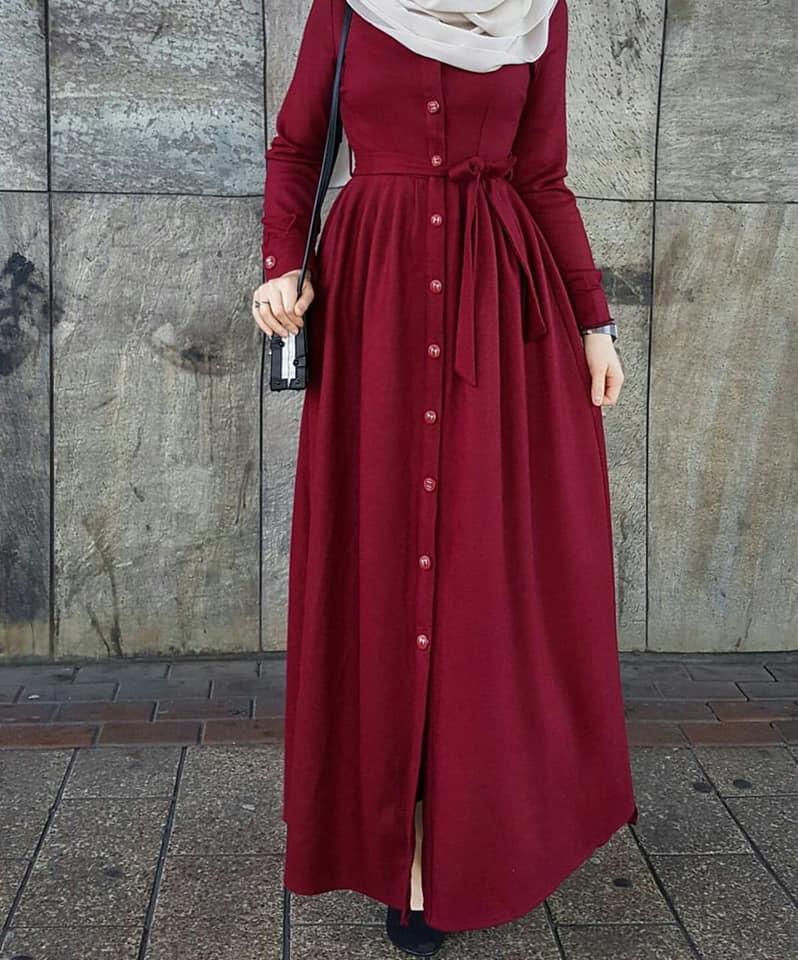 9ba9ba9bdac33 اطلالة ساحرة باللون الاحمر لملابس محجبات 2018